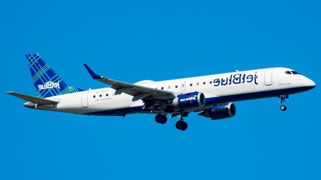 Embraer E175 Exterior