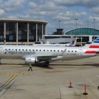 Embraer E175 Images