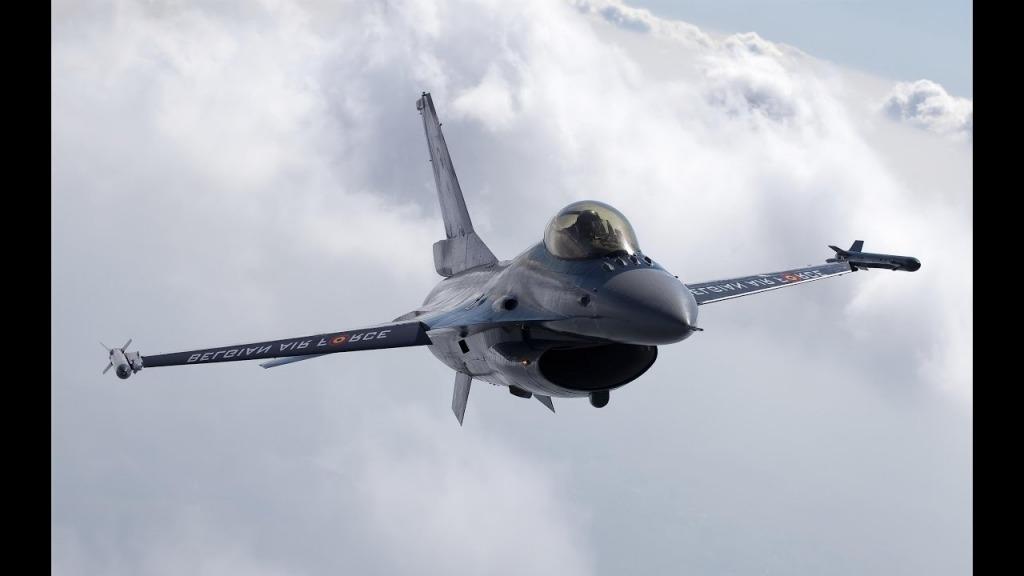 F16 Fighting Falcon Exterior