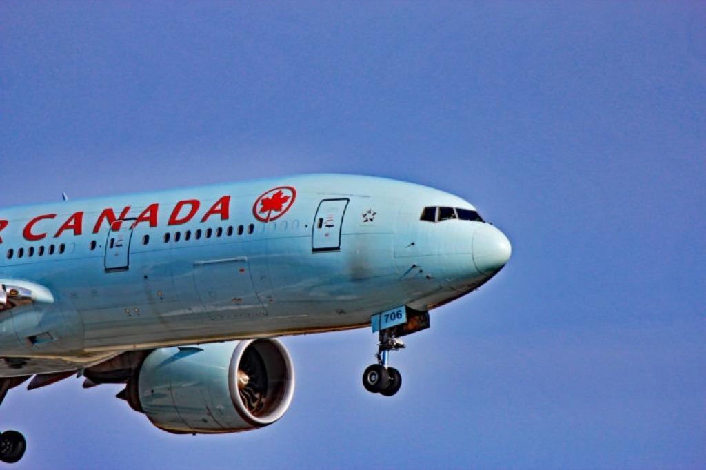 Boeing 777200LR Images