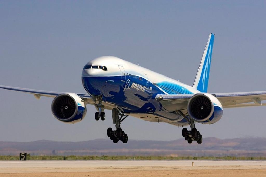 Boeing 777200LR Interior