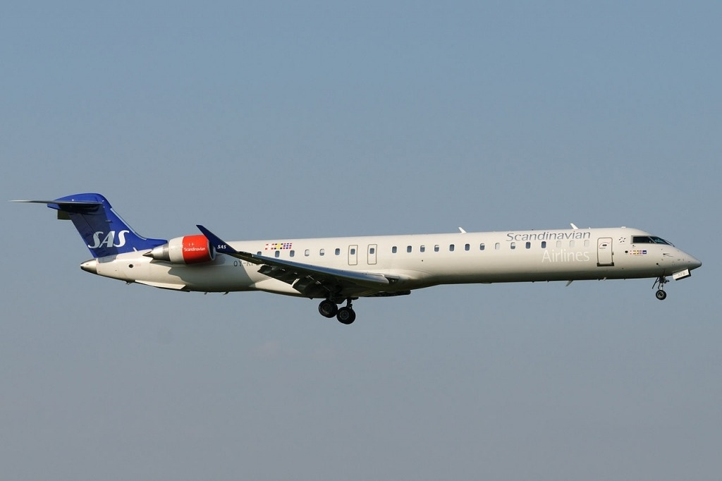 Bombardier CRJ900 Pictures