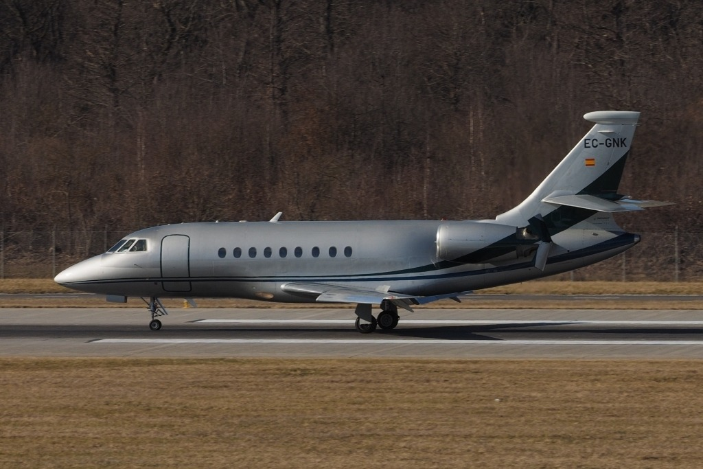 Dassault Falcon 2000S Exterior