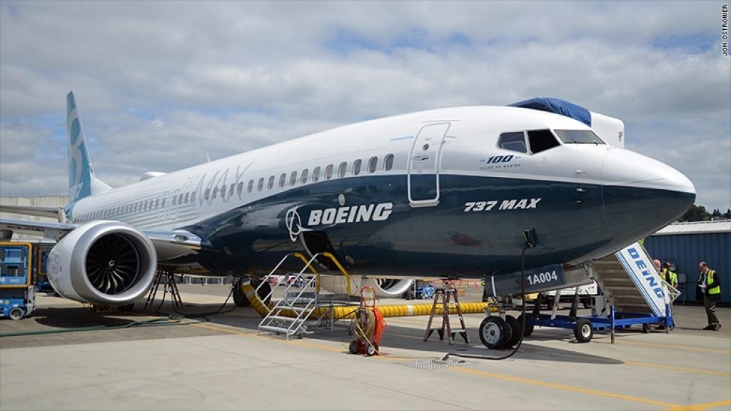 Boeing 737 MAX 10 Interior