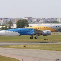 Embraer E195L Images
