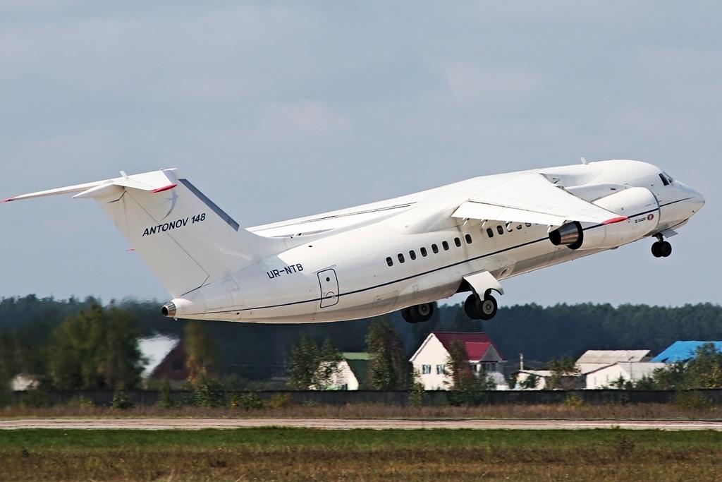 Antonov An148 Exterior