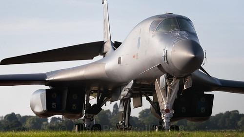 Boeing (Rockwell) B1B Lancer Specs