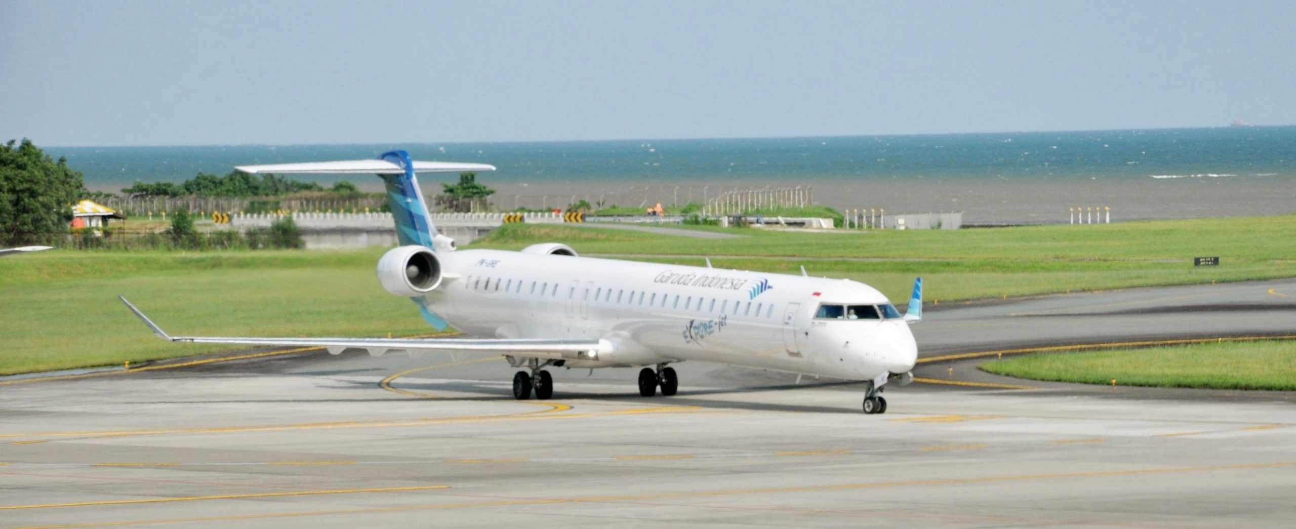 Bombardier CRJ1000 Interior