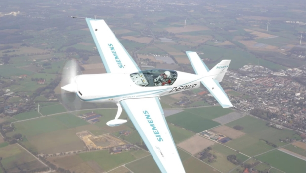 Extra 330LE Release date