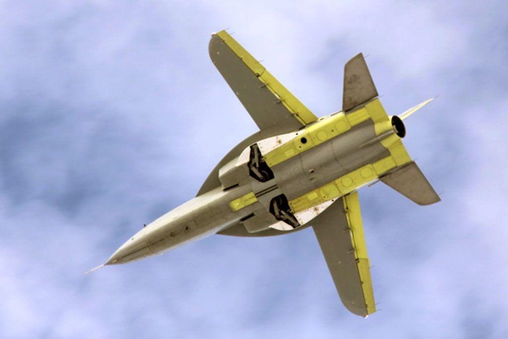 KB SAT SR10 Jet Trainer Pictures