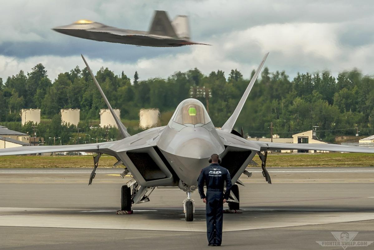 Lockheed Martin F22 Raptor Pictures